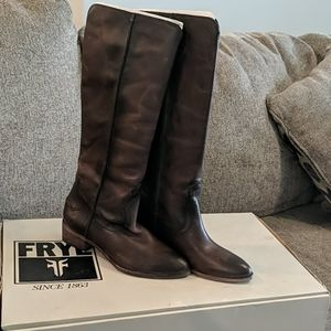 Frye ray seam tall slate 6.5m